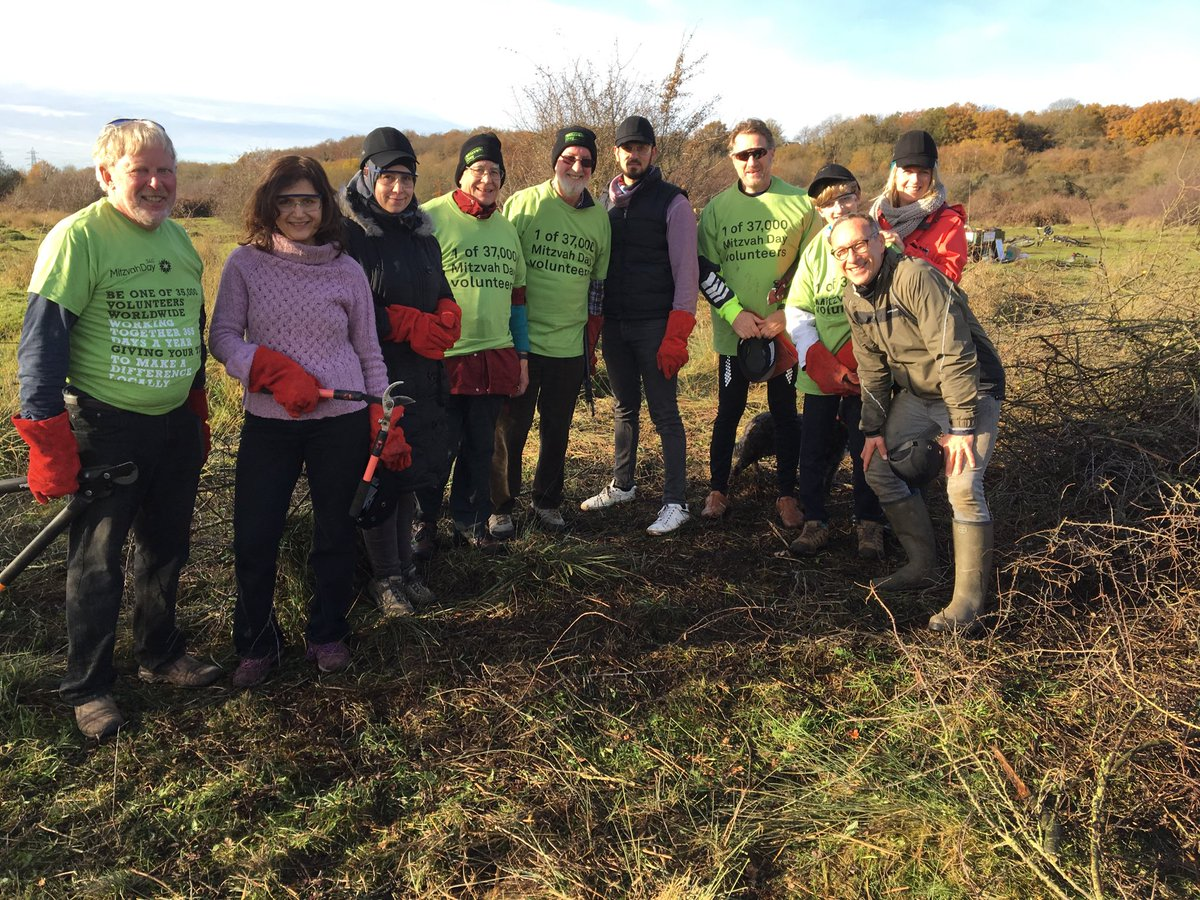 test Twitter Media - #md17 on #croxley common Moor with 2 rabbis 2 Syrian refugees 1 lord-lieutenant 1 & more fab volunteers @Richard4Watford @refugeecouncil https://t.co/sGr7jTIQEA
