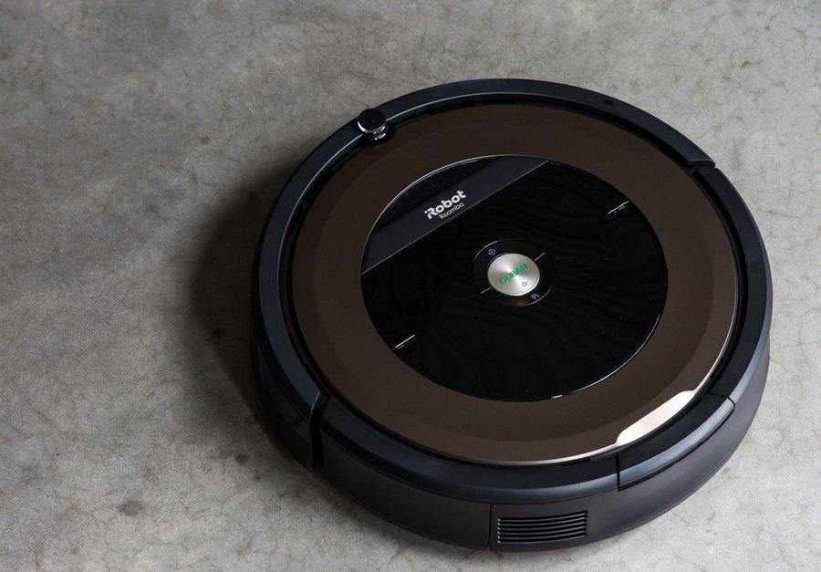 iRobot Roomba 614 robotic vacuum for $249 https://t.co/1xqw6Mfwez https://t.co/an3uzhWriK