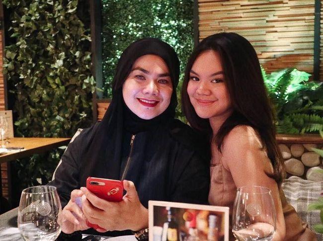 Shafa Anak Sarita dan Haris hingga Ayah Ganteng Kevin Liliana https://t.co/jqDPk6p63S https://t.co/rPl7sN2GBp