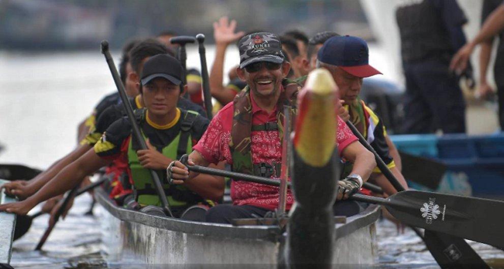 Brunei Sultan joins Sarawak Regatta
