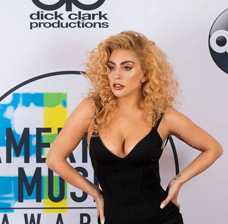 Lady Gaga looking FIERCE at her own #AMAs mini-red carpet on the #JoanneWorldTour in Washington, D.C. https://t.co/nnGE7EhQIu