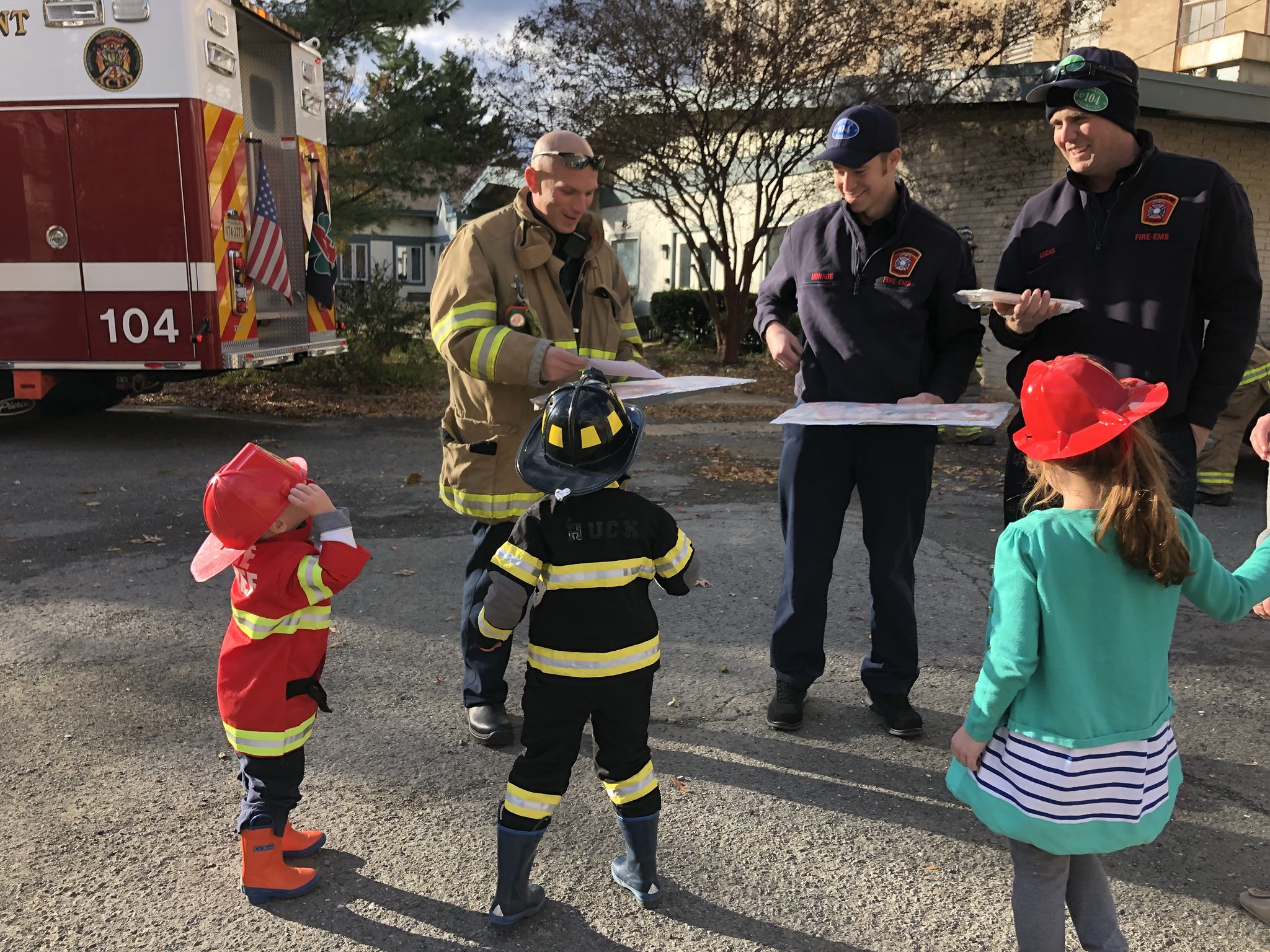Kids got to meet some real superheroes today at Fire Station 4. Thankful for all our first responders. https://t.co/UWb3gYMrBP