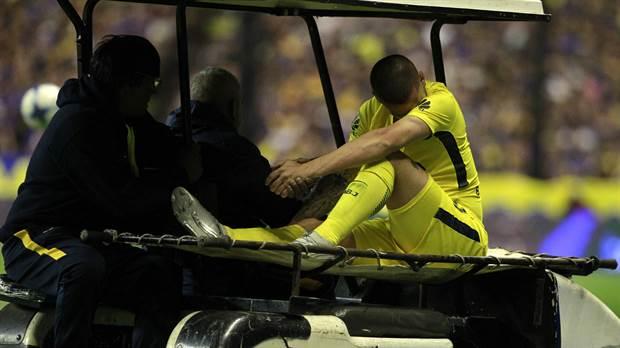 El jueves será operado @PipaBenedetto de su lesión en la rodilla. #FuerzaPipa �� https://t.co/NSlljscP8Y