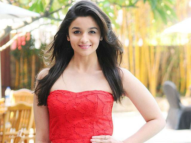 .@aliaa08 buys stake in startup StyleCracker via @TOIBusiness
