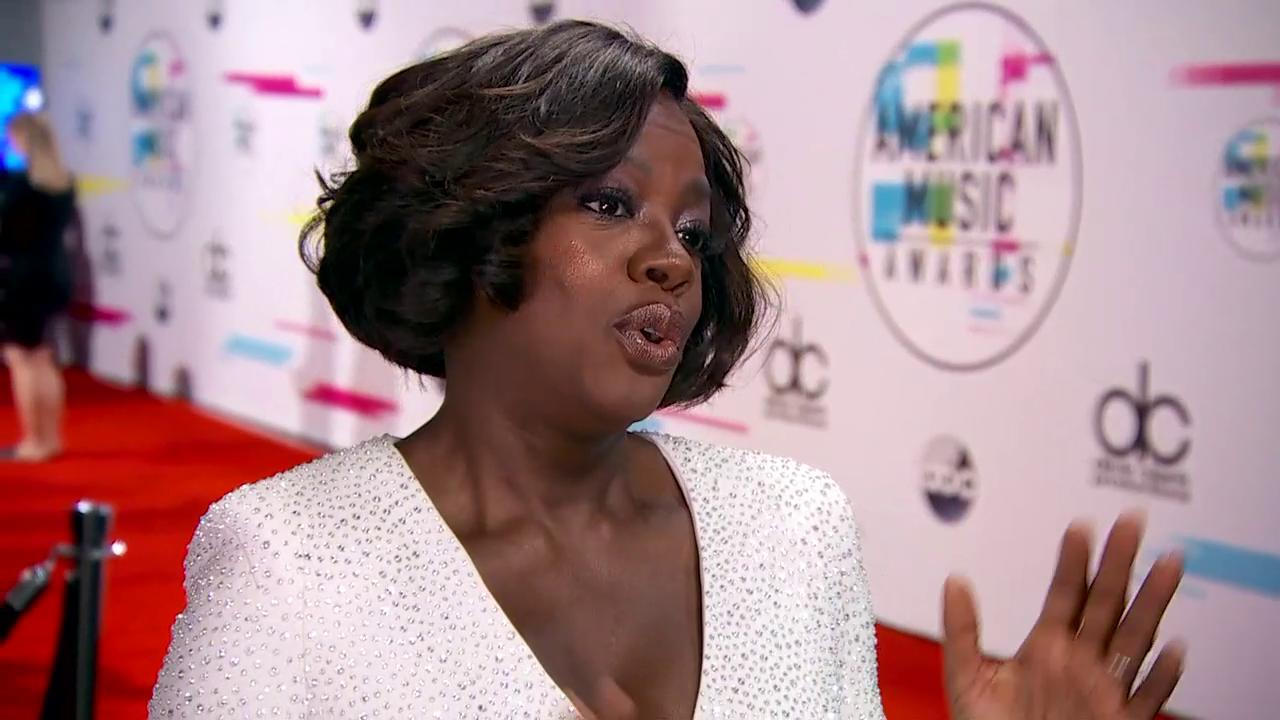 'I wanted to be Diana Ross.' @violadavis on her hero and inspiration @DianaRoss backstage at the #AMAs. https://t.co/iK55K5bEoL