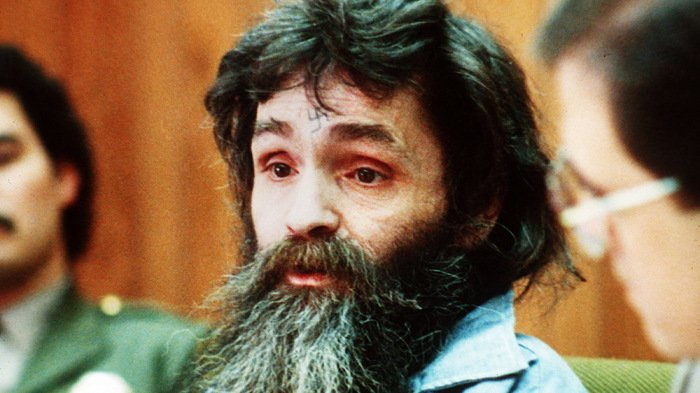 BREAKING: Charles Manson dies at 83 https://t.co/RIQXx7xox6 https://t.co/io8UxnISr9