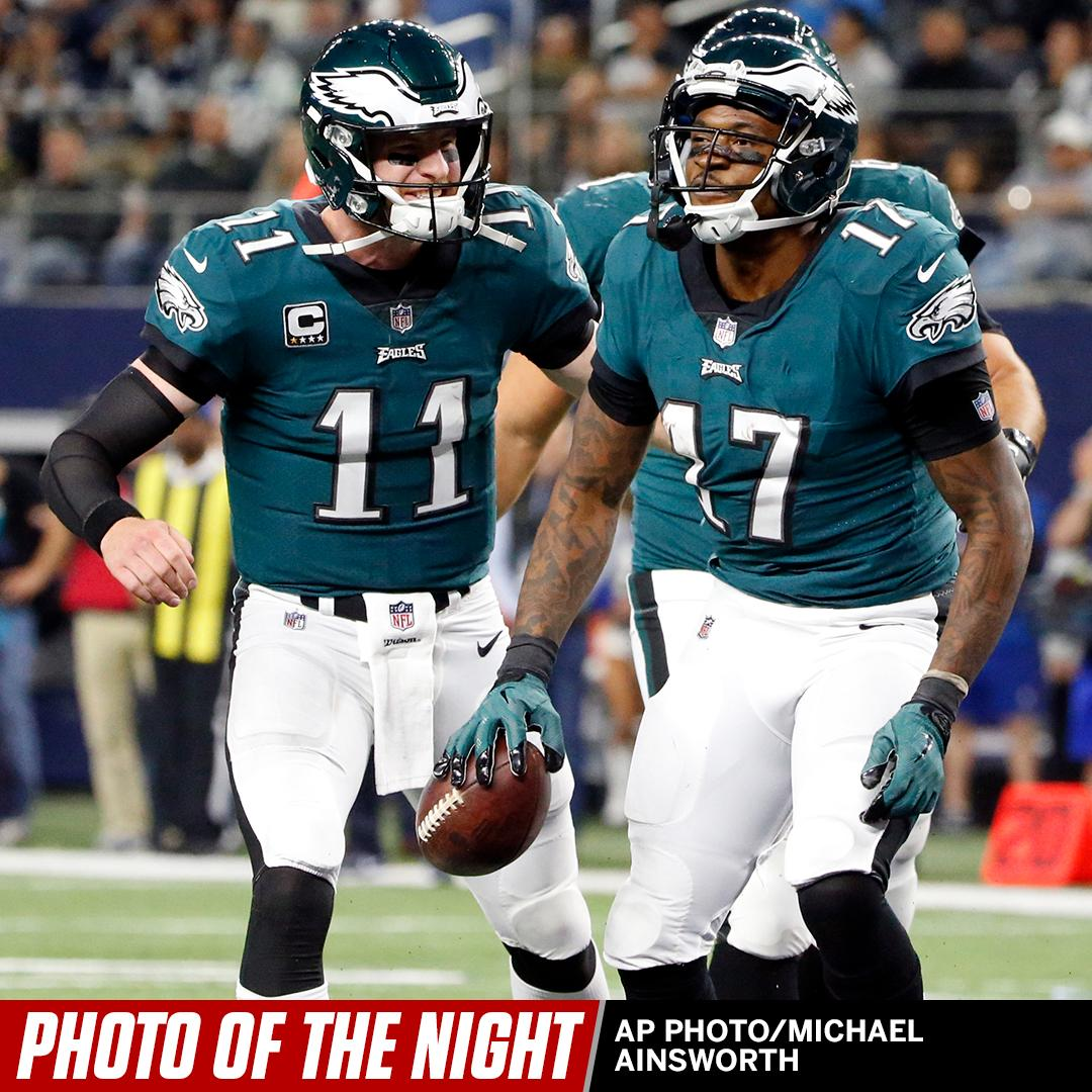 Fly Eagles fly. #PhotoOfTheNight https://t.co/BYC4eYWVxB