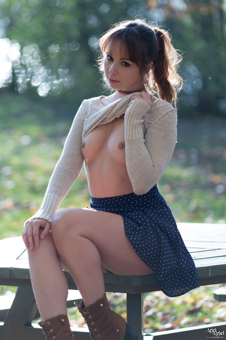 touch my boobs *^_^* ...and become a member of https://t.co/uVetxALjn8 :P https://t.co/eldfz38Vzo