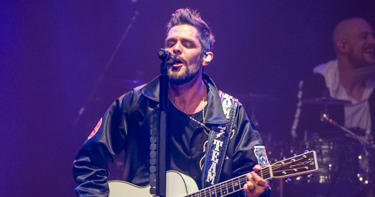 Thomas Rhett will perform at the Dallas Cowboys' Thanksgiving Day game https://t.co/221eHlv6tq https://t.co/B9JQgqDtKr