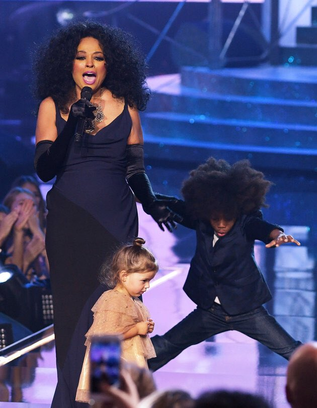 Your holiday affirmation Dance like your grandma is Diana Ross. #TeamRaheem