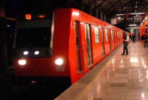 Muere hombre en torniquetes del Metro Pino Suárez https://t.co/XRFO5oQfep #CdMx https://t.co/2w1et9FEYn