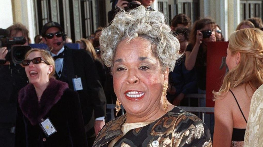 """Della Reese, of TV's """"Touched by an Angel,"""" has died at 86"""
