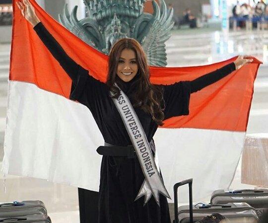 Terbang lah garudaku, Tunjukan pada dunia, Bahwa sebenarnya kita mampu #MissUniverse #Indonesia @bungajelithaa https://t.co/0LvdTFTm0N