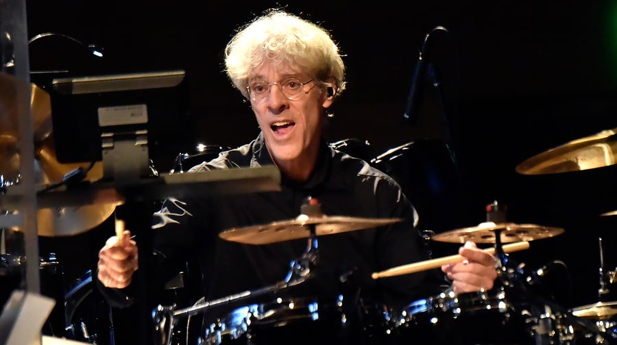 Police drummer Stewart Copeland on his 5 favorite songs about indulgence and abandon https://t.co/WiTTaJzR76 https://t.co/UPt3BYPQAs
