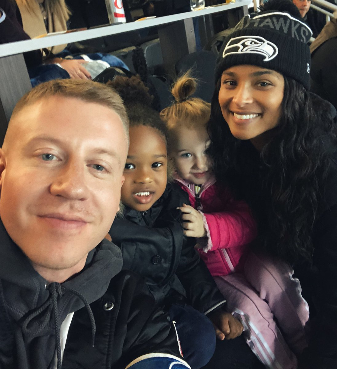 Fun Times With Our Kiddos!  @Macklemore #GoHawks https://t.co/xouGvmJZRU