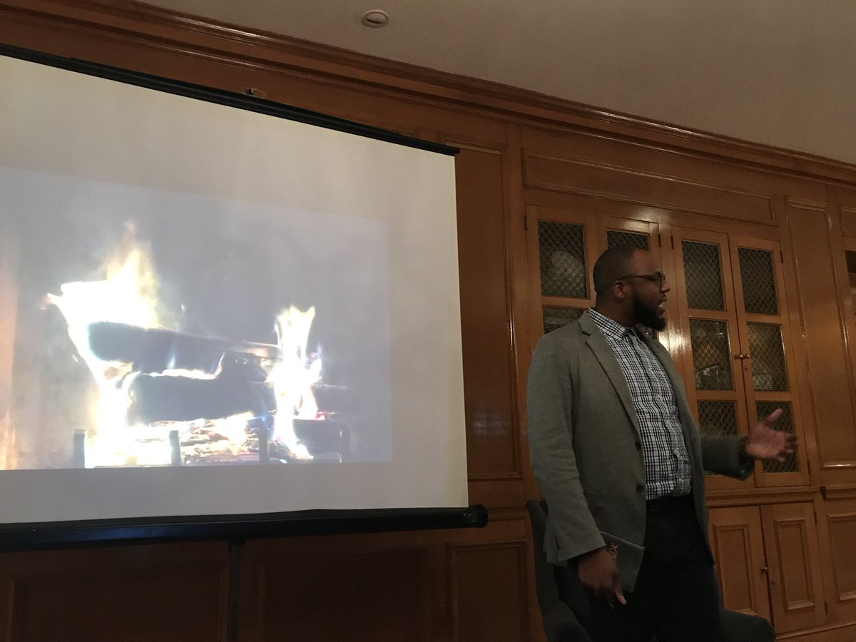 test Twitter Media - What an amazing Fireside Chat  with @DrChezareWarren at @MolloyCollege with @MolloyEdD students and guests!@audrey_cohan @akt1211 #molloyedd https://t.co/M7xj8P2UIg