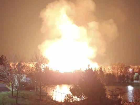 Massive fire burns at Orion Twp.-Auburn Hills border