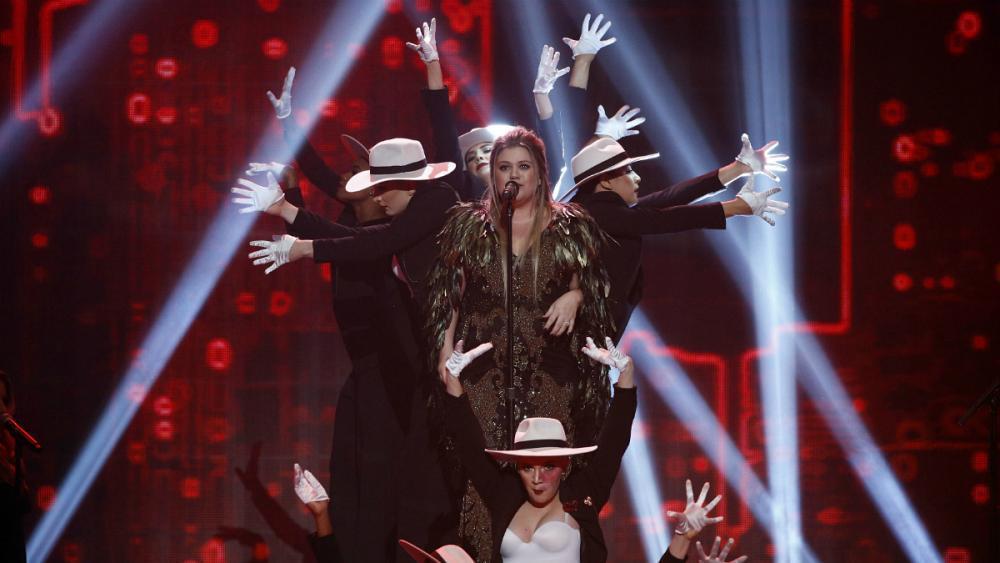 Bruno Mars arrasa en los American Music Awards