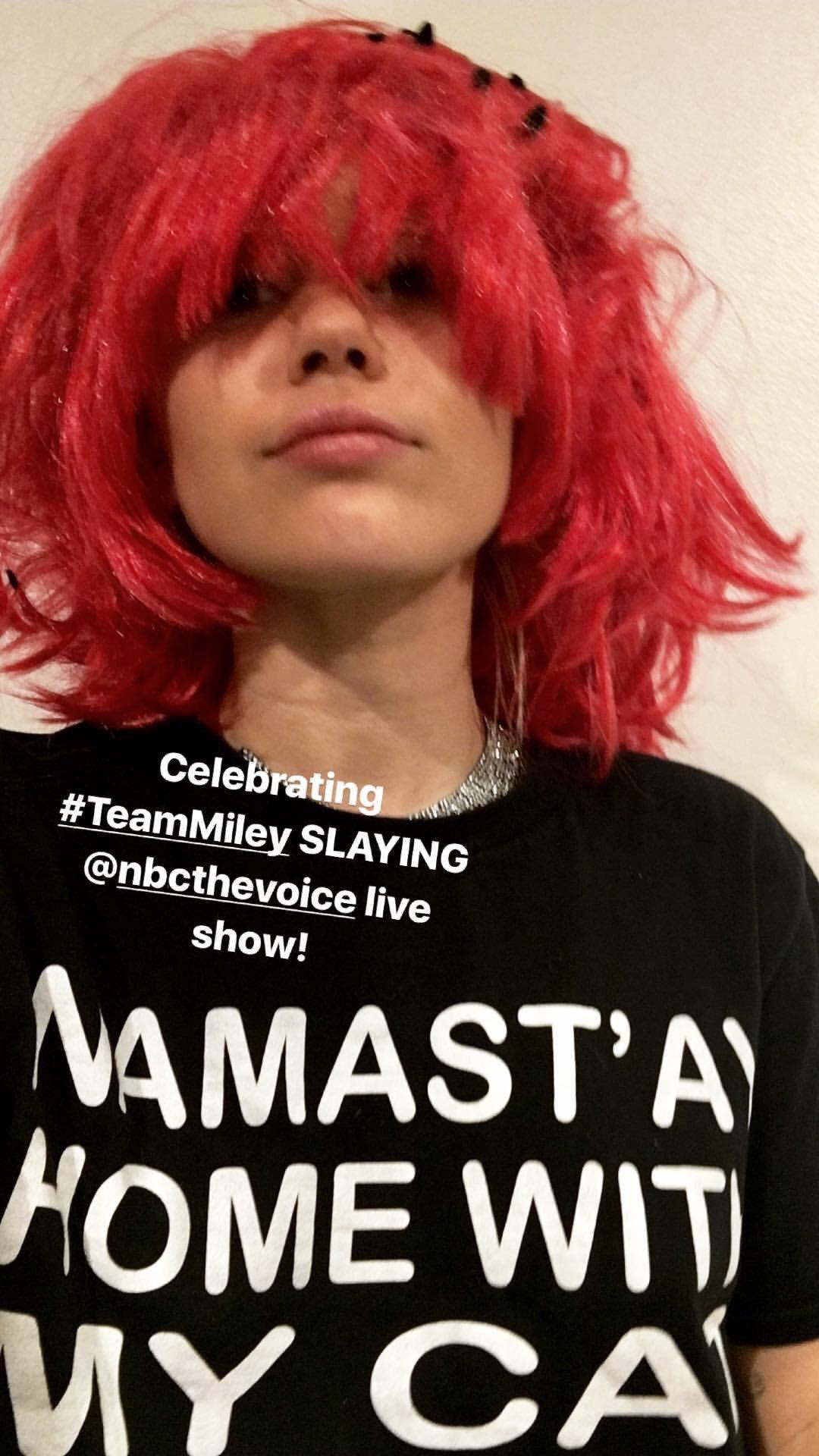 Celebrating #TeamMiley SLAYING @nbcthevoice live show! https://t.co/v8iCtmDaKM