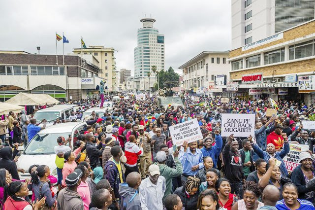 Zimbabwe war veterans call for immediate anti-Mugabe protests
