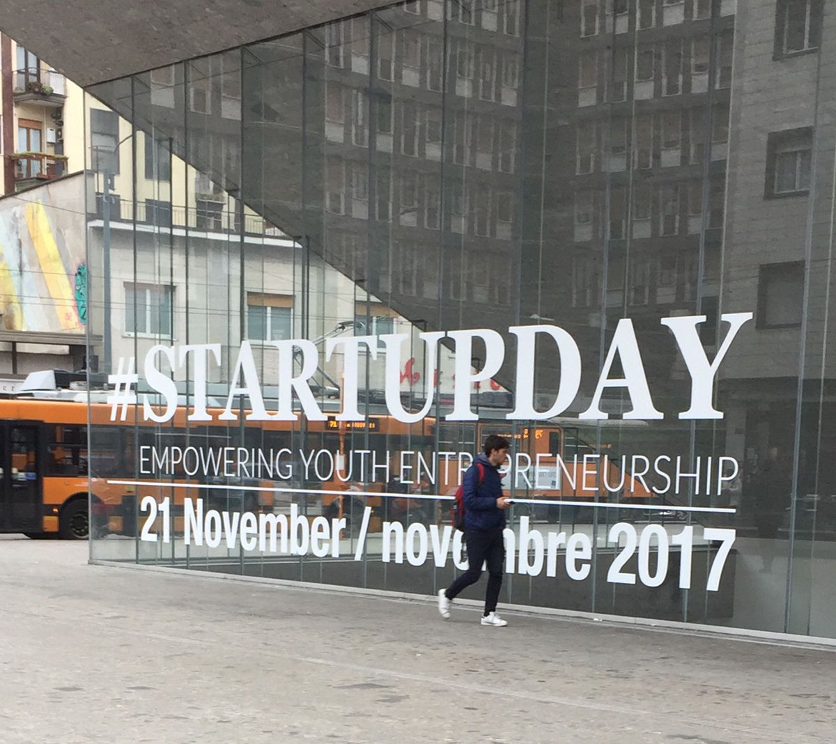 #StartupDay