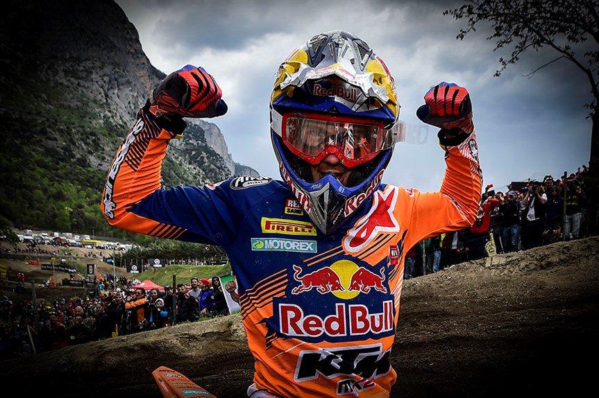 2017 Best moments #Trentino photo @Moto_it @maxzanzani https://t.co/CQ4jQMF5GH