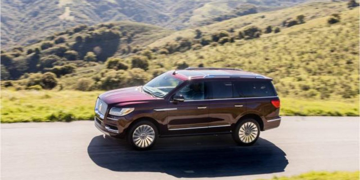 2018 Lincoln Navigator SUV is full of details