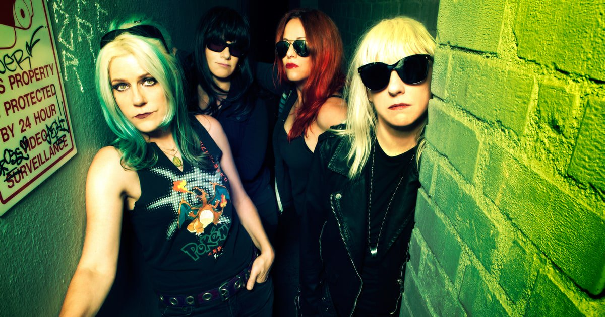Inside Nineties punk-metal renegades L7's rise, fall and unlikely rebirth https://t.co/evyCcFIc50 https://t.co/0j43x4lpRo