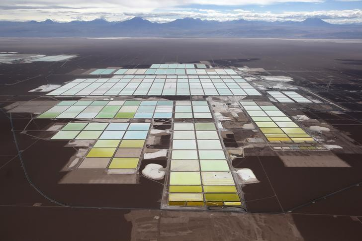 Rio Tinto, China's private equity prepare to bid for lithium producer SQM https://t.co/43FO7CPQ6L https://t.co/yr405TLKTb
