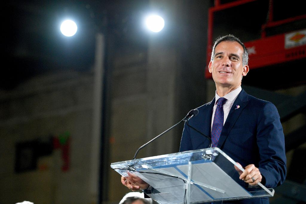 Los Angeles Mayor Eric Garcetti considers 2020 presidential run