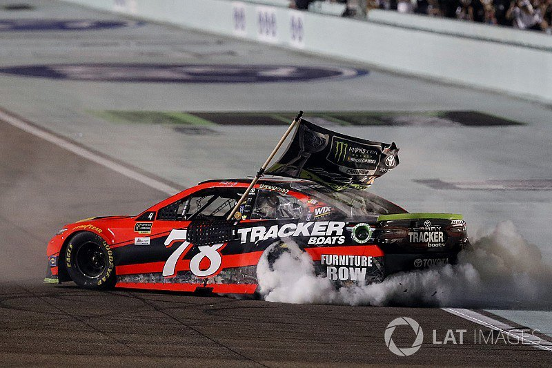 From @CandiceSpencer - @MartinTruex_Jr proves himself worthy of #NASCAR Cup title: https://t.co/AkrDOnCGHQ https://t.co/uSIih0a9uG