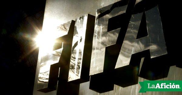 #Entérate   La FIFA suspende de por vida a otros dos ex dirigentes ��⚽️https://t.co/rrNlcWILf2 https://t.co/GnIfRgUxjL
