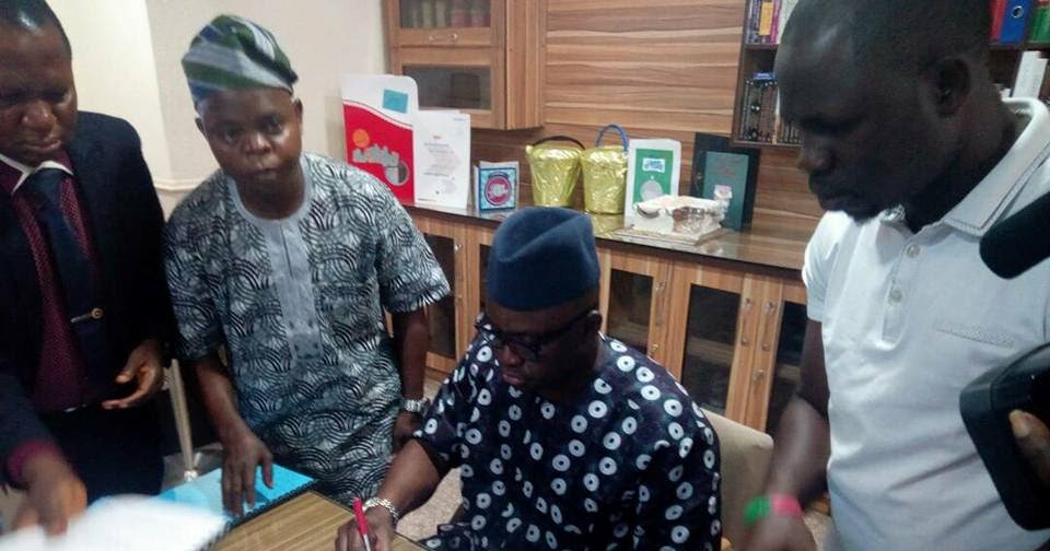 Ekiti State Governor, Ayo Fayose Okays Death Penalty For Convicted Cultists In Ekiti State https://t.co/cOk2wK5gPZ https://t.co/bnkZwCMqv8