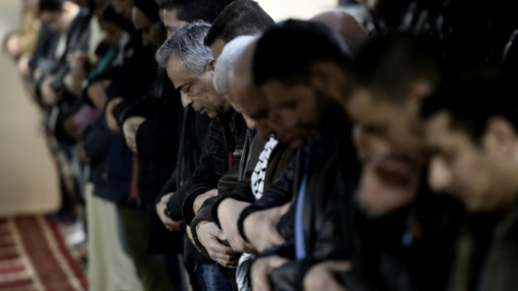 Greece to confront controversy over historic sharia law