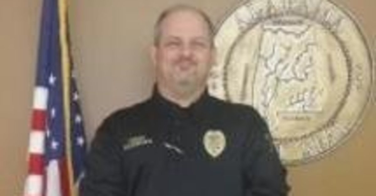 """Alabama police chief suspended after making '""""jokes"""" about sexual assault"""