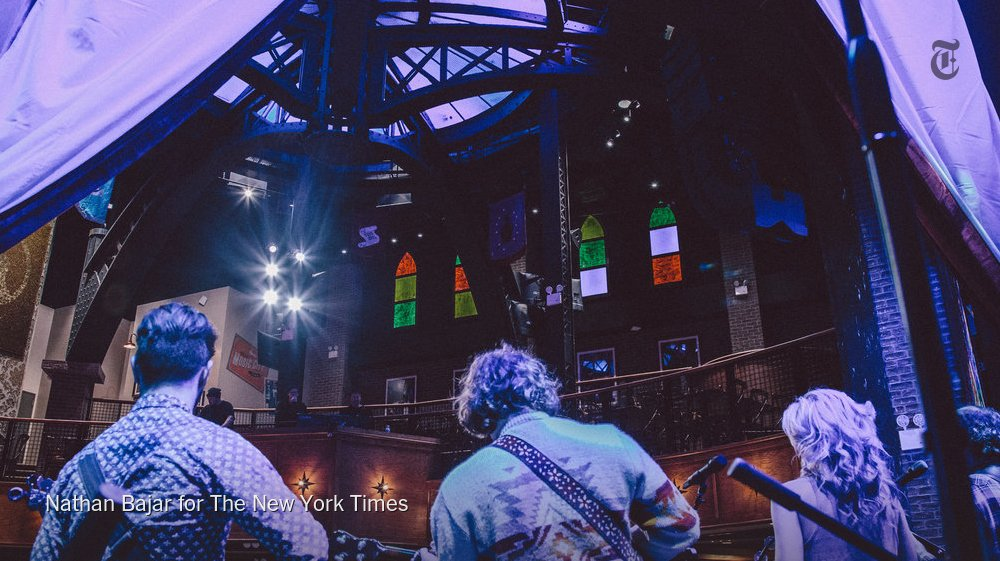 The Grand Ole Opry, a Nashville institution, is coming to New York https://t.co/llC940MxGI https://t.co/gZqwePau04
