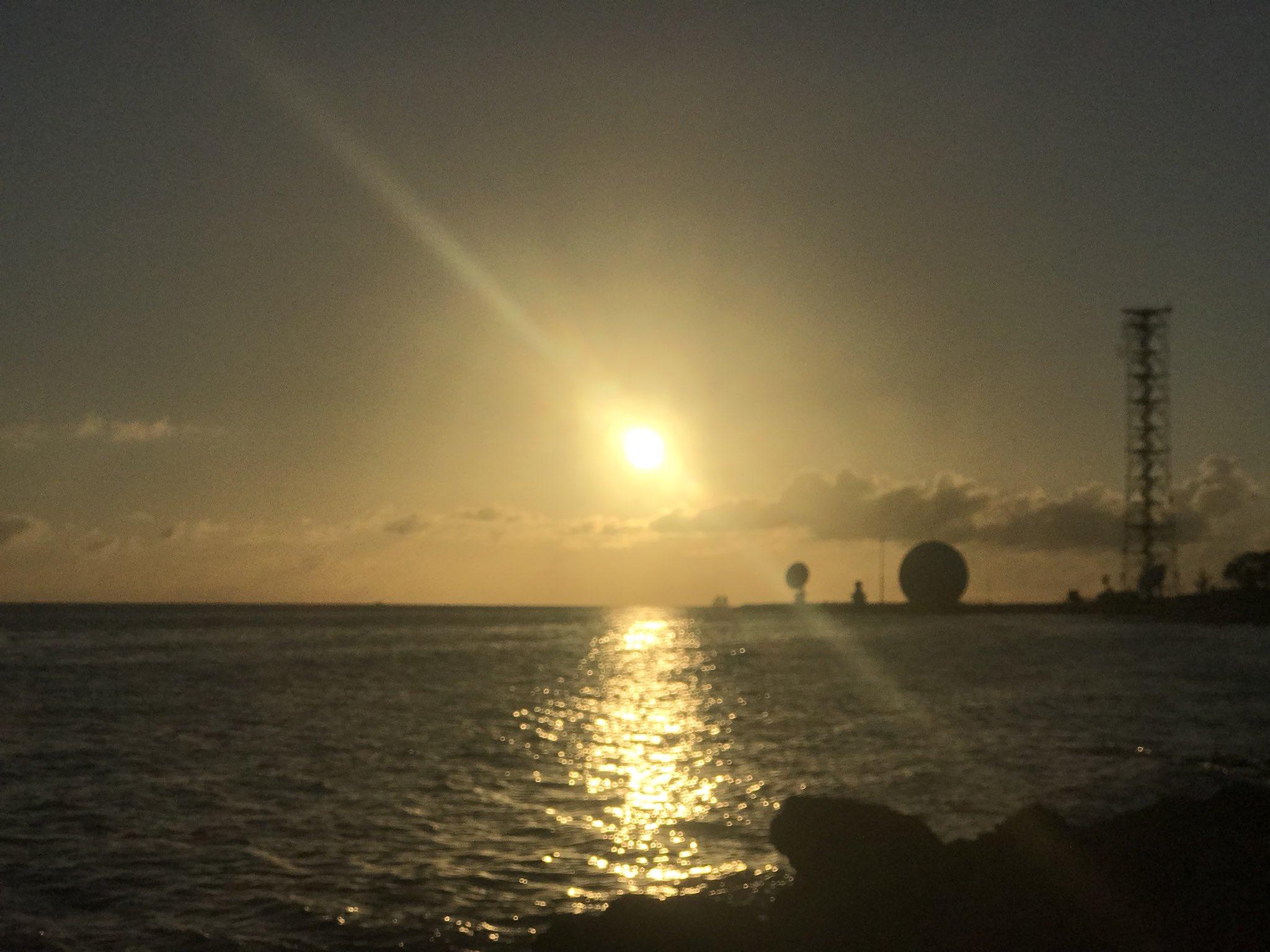 Paradise Sunset �� #roamflorida #floridakeys #keywest #mile0 #greatweather #flwx #sunshine�� https://t.co/UMxGmNT4Fn