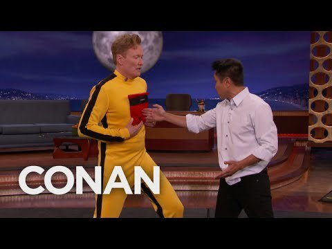 Steven Ho Hits Conan With Bruce Lee's One Inch Punch:https://t.co/DLrTSO7KCJ https://t.co/ArMTA12SE0