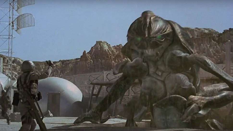 7 reasons Starship Troopers was way ahead of its time: https://t.co/AXpPLZiKrB https://t.co/Mpm7a6Jgvb