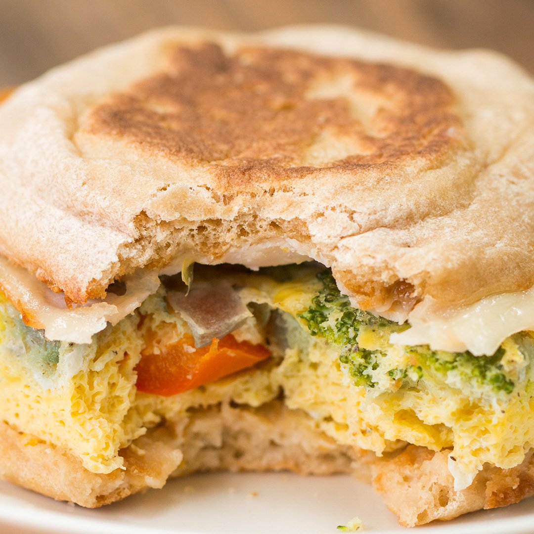 =Make breakfast a no-brainer with these easy & healthy breakfast sandwich meal prep! �� FULL RECIPE: https://t.co/awrra7wDhl