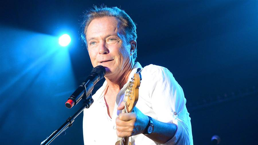 'You were forever young': Celebrities mourn the loss of David Cassidy https://t.co/owfX2srEt2 https://t.co/Doyq6DUpcY