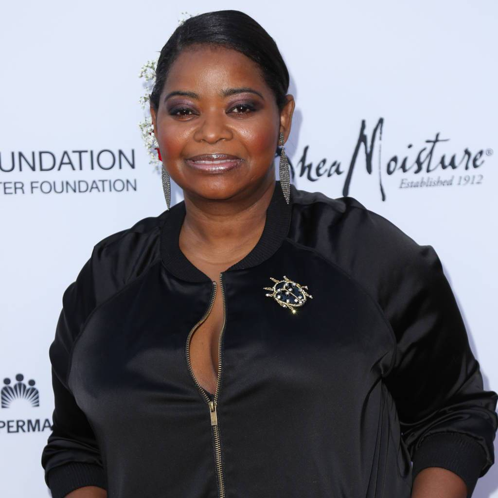 Octavia Spencer: 'Actresses should always have a fork in the purse' https://t.co/PvDDe6pvOW https://t.co/rotZ1e2O0A