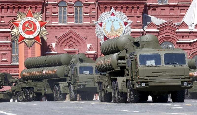 Turkey expects S-400 defense system from Russia in 2019: minister https://t.co/8IvAg6Xmbs https://t.co/Nv6aXPHxTC