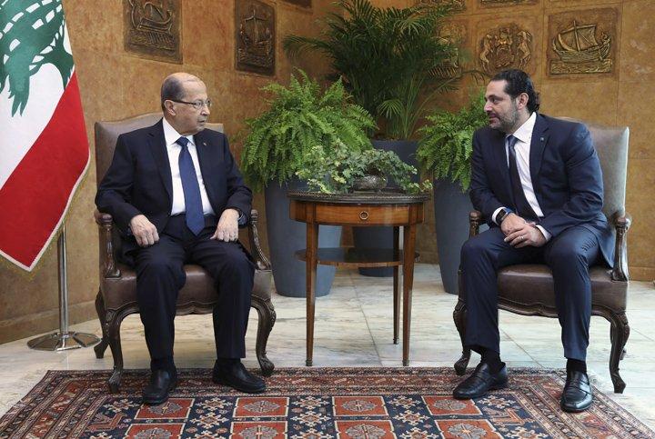 @BroadcastImagem: Hariri diz que seguirá como premiê do Líbano por ora, a pedido do presidente Michel Aoun. Dalati Nohra/AP