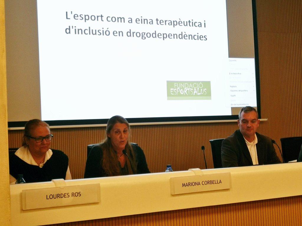 provar Twitter Mitjans - 💬⚽ Mariona Corbella d'@esportsalus presenta els principals beneficis de l'esport en el tractament de les drogodependències. https://t.co/JOnCSNpjRn