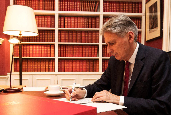 10 things hidden in the Budget 2017 small print that Philip Hammond won't want you to read  https://t.co/LO9Ww2mya0 https://t.co/GXwPM4Oc2M