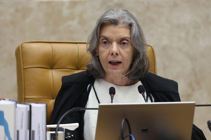 @BroadcastImagem: STF retoma julgamento sobre a proibição da venda de cigarros com aroma e sabor. André Dusek/Estadão