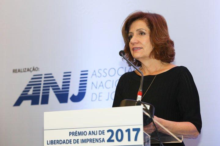 @BroadcastImagem: ANJ entrega prêmio Liberdade de Imprensa 2017 à jornalista Míriam Leitão. Patrícia Cruz/Estadão
