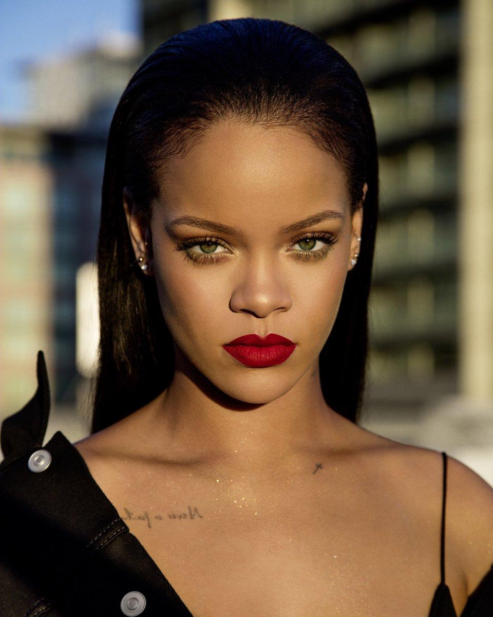 Rihanna | Biography, N... Rihanna Age