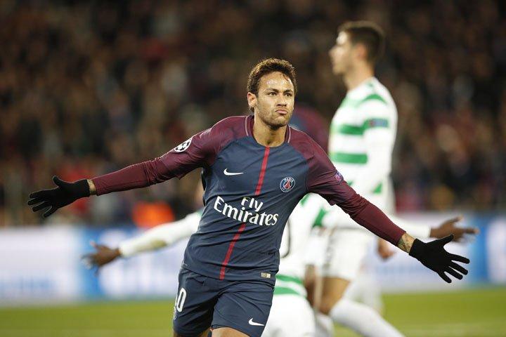 @BroadcastImagem: Neymar marca duas vezes e PSG goleia Celtic por 7 a 1 na Liga dos Campeões. Christophe Ena/AP